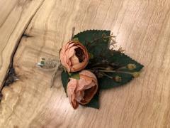 El Emeği Yaka Çiçeği