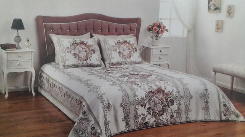 Tek kişilik ve çift kişilik yatak örtüleri